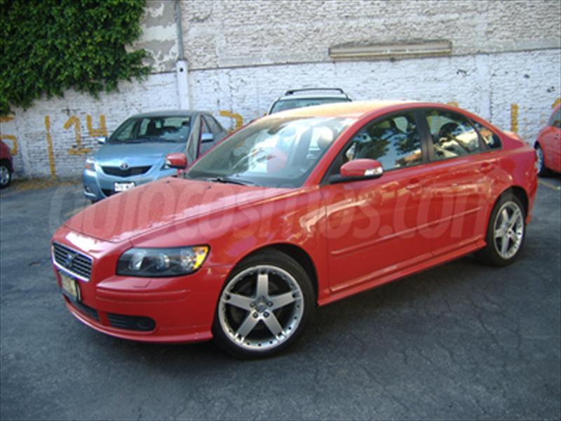 venta auto seminuevo Volvo S40 T5 Kinetic (2007) color Rojo Vivo ...