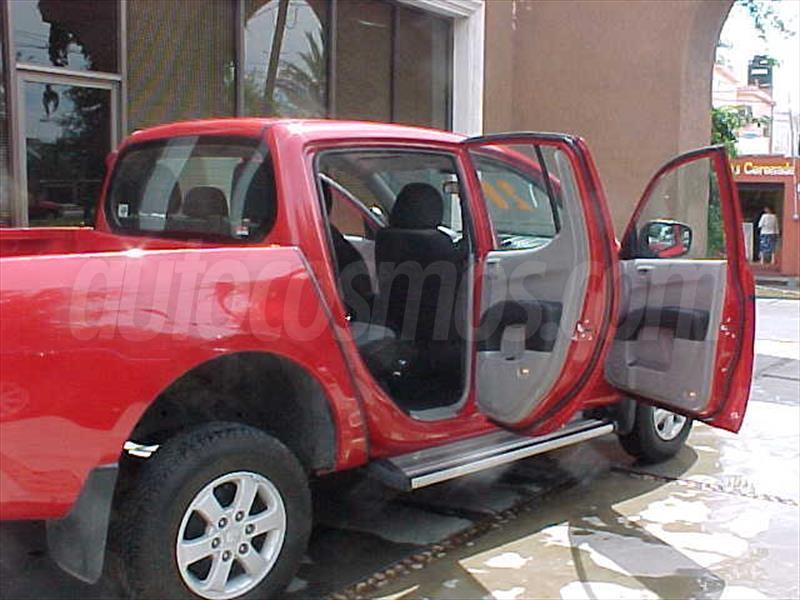 Mitsubishi l 200 pick up doble cabina foto 9 car interior design - Mitsubishi l200 doble cabina ...