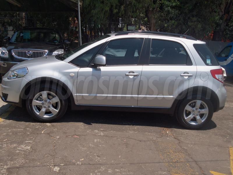 venta auto seminuevo Suzuki SX4 Sedan 2.0L Aut. (2010) color Plata ...