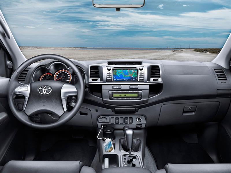 Toyota Hilux 2014 Arg - Fotos de coches - Zcoches
