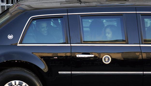 el auto de obama es el cadillac one. Black Bedroom Furniture Sets. Home Design Ideas