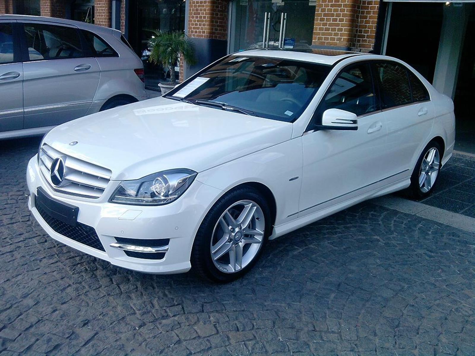 Mercedes benz c250 cgi blueefficiency 2011 for Mercedes benz 2011