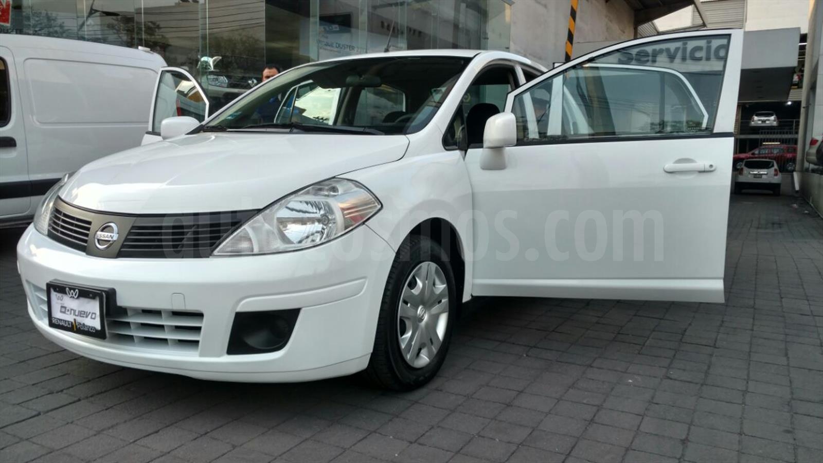 Usado Nissan Tiida Sedan Sense Aut (2014) color Blanco precio $135,000
