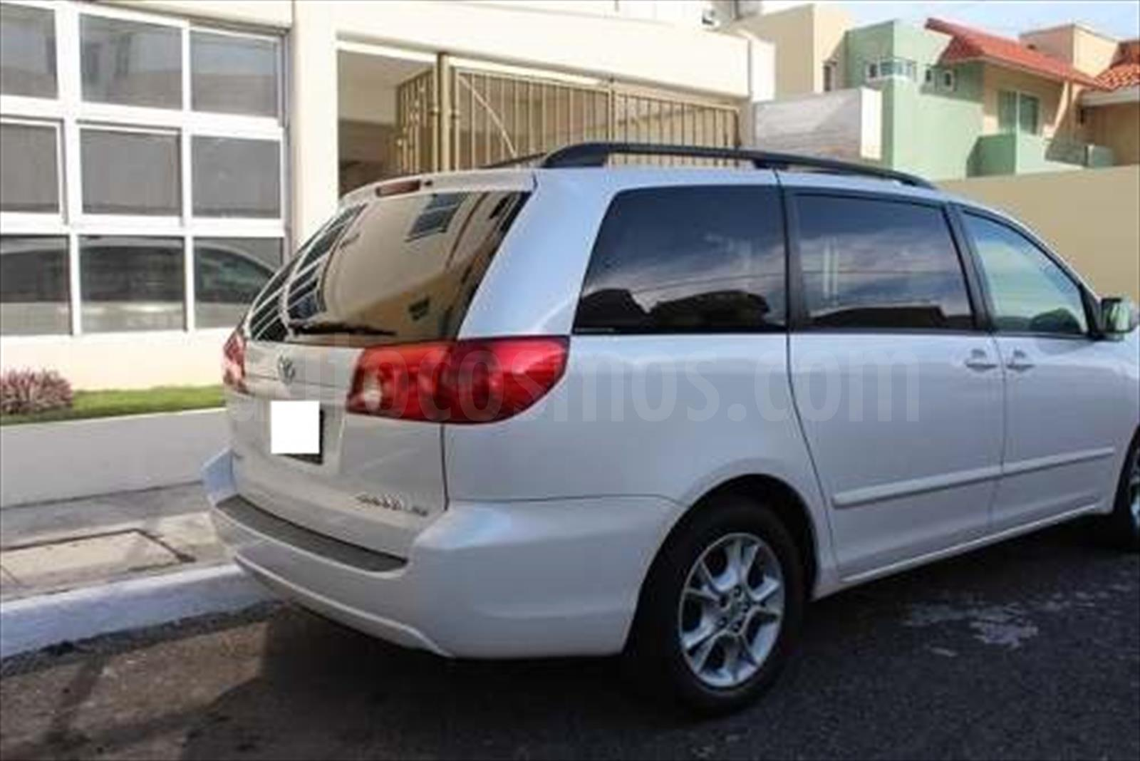 venta auto usado toyota sienna xle 3 5l piel 2006 color blanco precio 56 500. Black Bedroom Furniture Sets. Home Design Ideas