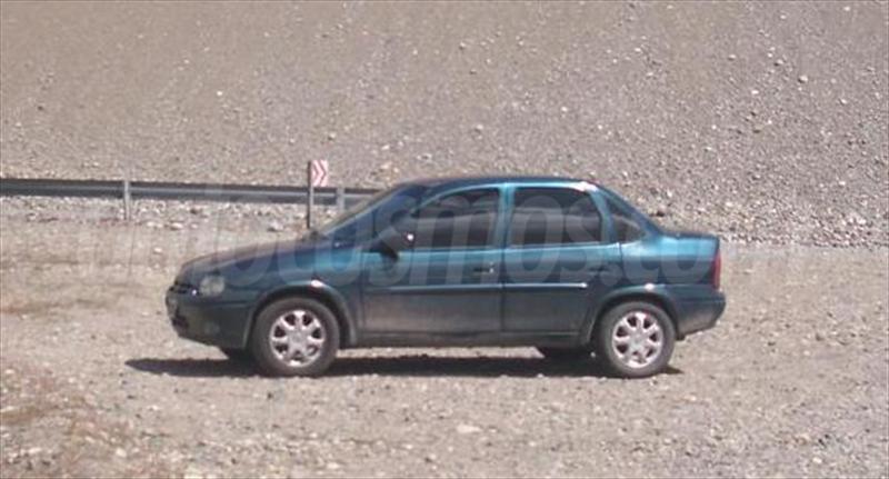 foto Chevrolet Corsa 4P GLS