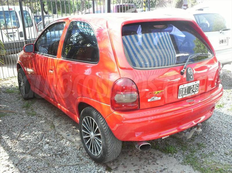 foto Chevrolet Corsa 3P Sport