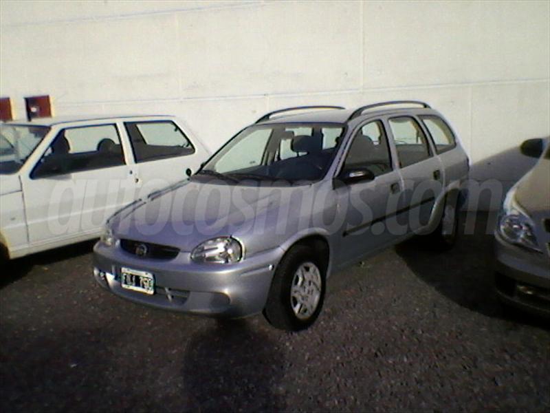 foto Chevrolet Corsa 5P CD