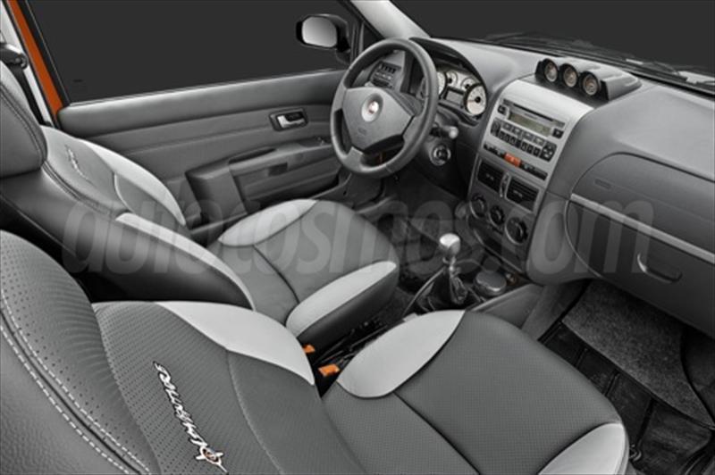 foto Fiat Strada Adventure 1.6 Cabina Doble Seguridad