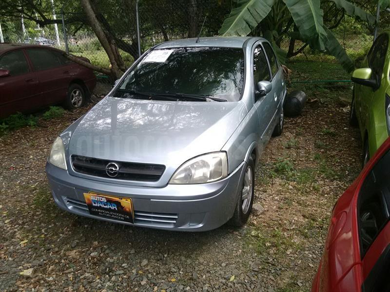 foto Chevrolet Corsa Evolution 1.4 A.A usado (2005) color Plata precio $15.500.000