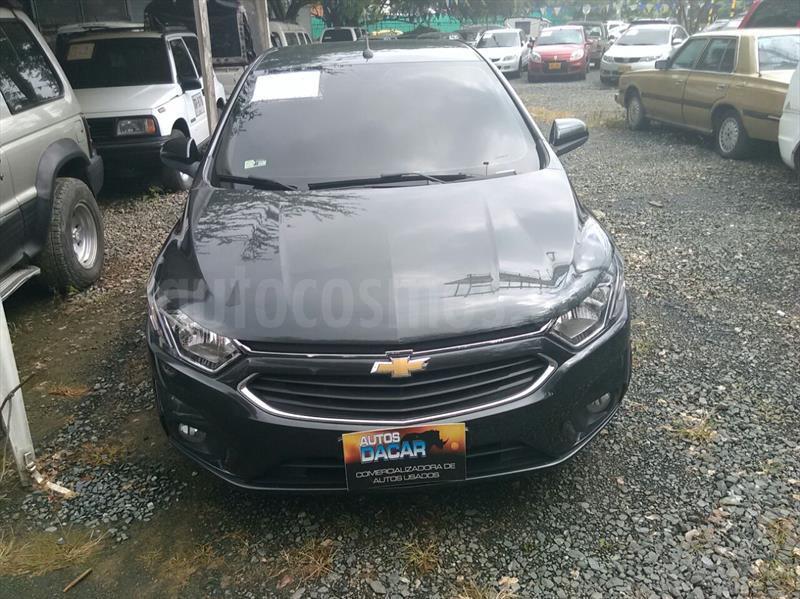 foto Chevrolet Onix 1.4 LTZ Aut  usado (2017) color Gris precio $45.000.000