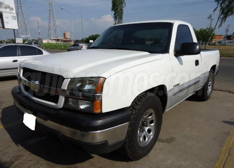 Chevrolet Silverado LS 5.3L Cabina Simple 4x2 2005