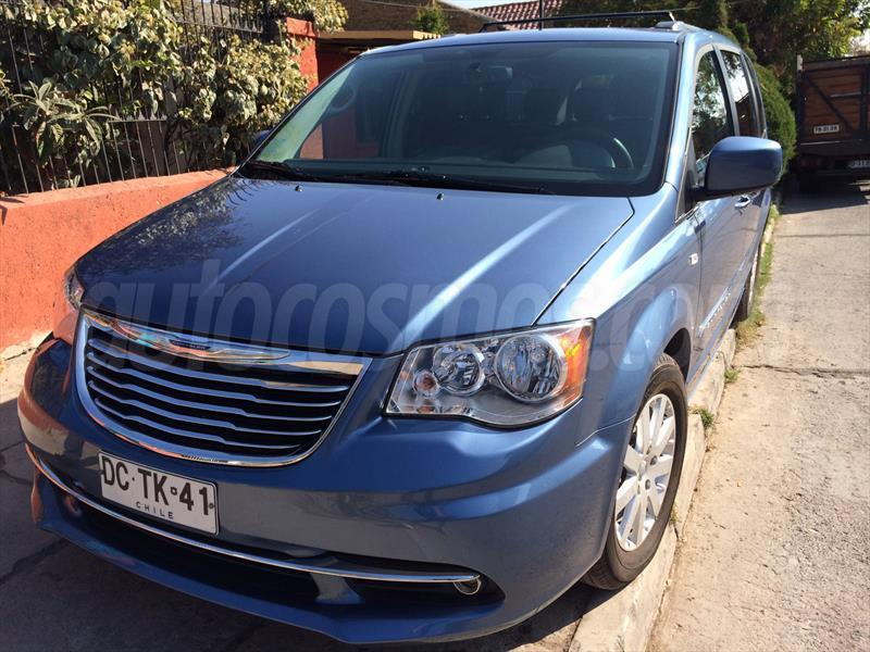 Chrysler Town and Country 3.8L Touring SE 2012