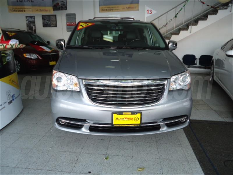 Chrysler Town and Country Limited 3.6L 2013