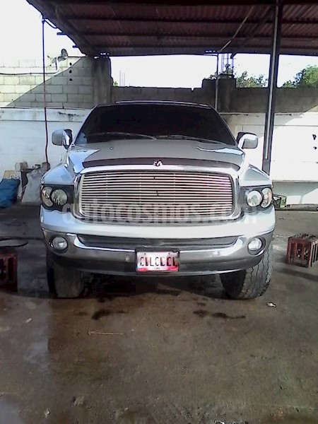 foto Dodge Ram 2500 Pick Up 4x2 usado