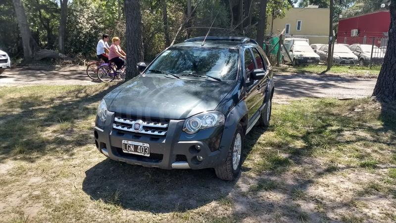 foto Fiat Palio Weekend 1.6 Adventure Locker