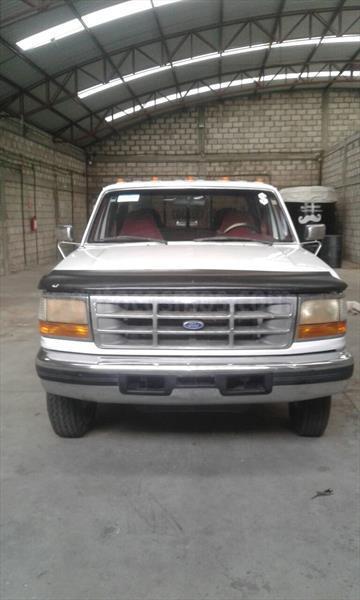 Ford F-350 XL 6.2L Super Duty Aut usado (1997) color Blanco Oxford precio $85,000