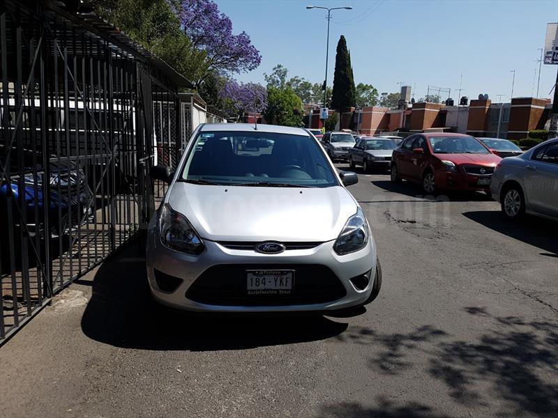 foto Ford Fiesta Ikon Hatch First 1.6L usado
