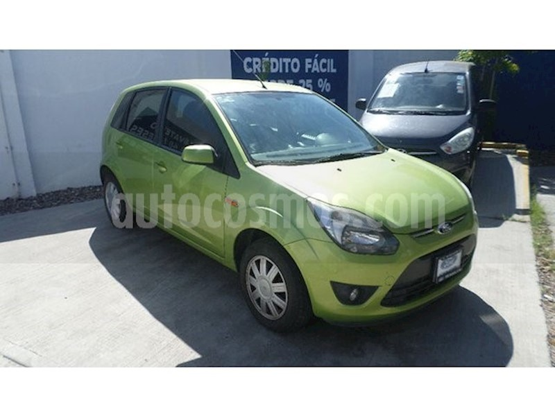 foto Ford Fiesta Ikon Hatch Trend usado