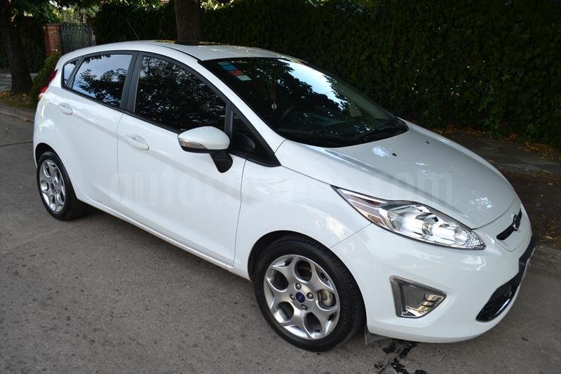 Ford Fiesta Kinetic Titanium Usado  2013  Color Blanco
