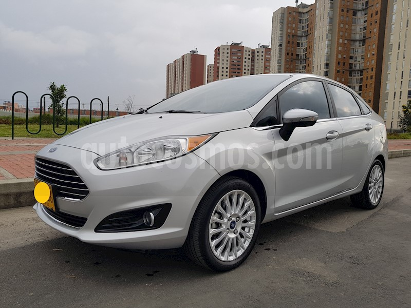 foto Ford Fiesta Sedan Titanium Usado