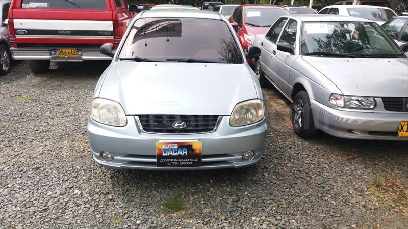 foto Hyundai Accent GLS 1400 usado (2006) color Azul precio $15.000.000