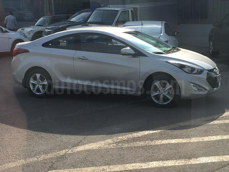 foto Hyundai Elantra Coupe usado