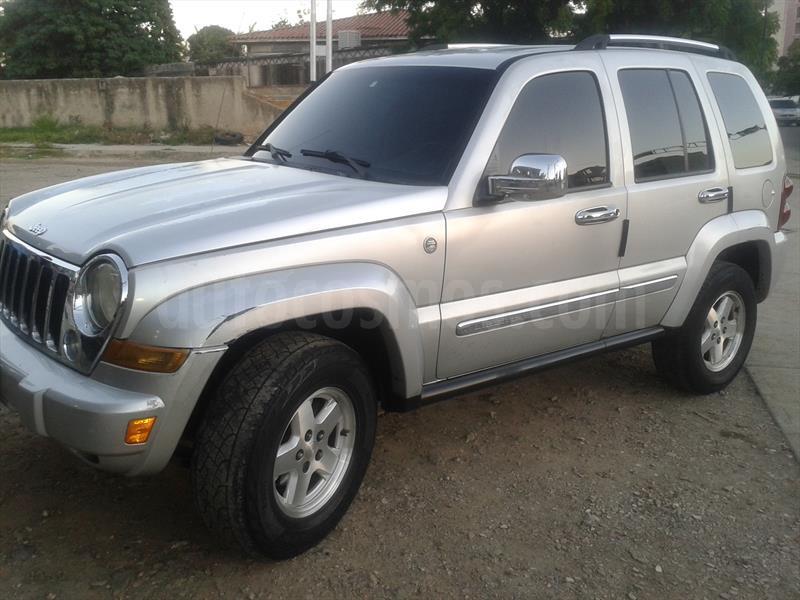 foto Jeep Cherokee Limited 4x2 usado