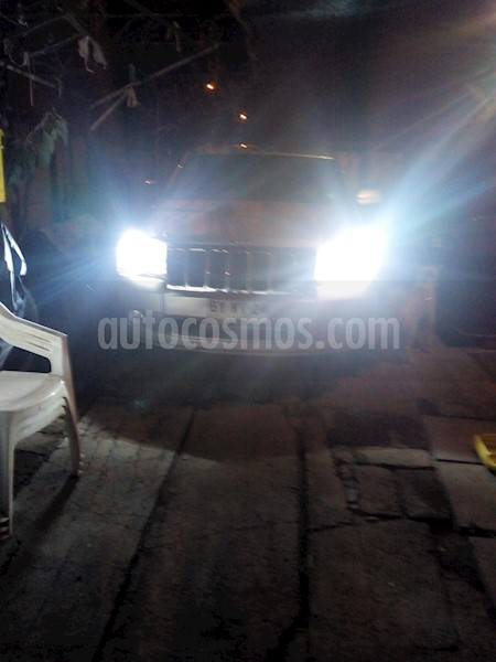 foto Jeep Grand Cherokee Limited 4.7L V8 Aut Usado