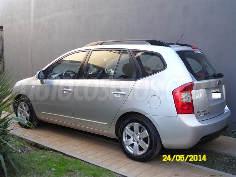 Venta Auto Usado Kia Rondo Ex Crdi 2008 Color Plata