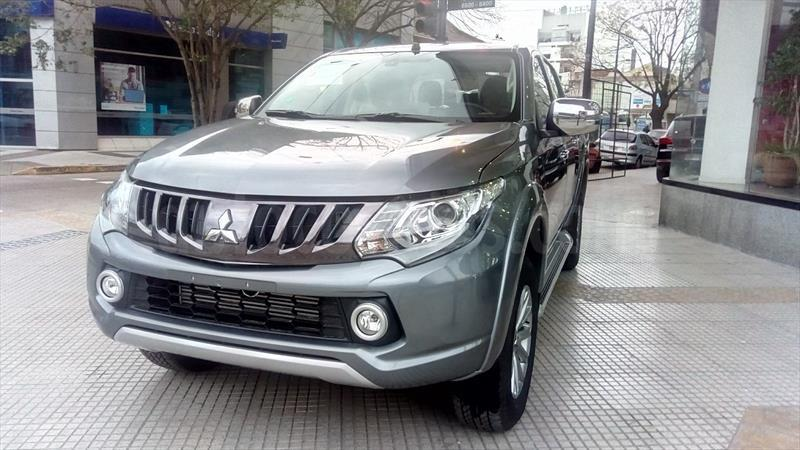 foto Mitsubishi L200 4x4 2.4 DI-D High Power CD Aut nuevo