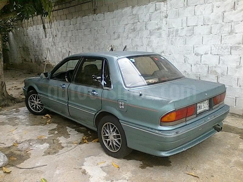foto Mitsubishi MF Version sin siglas L4 2.0i 16V usado