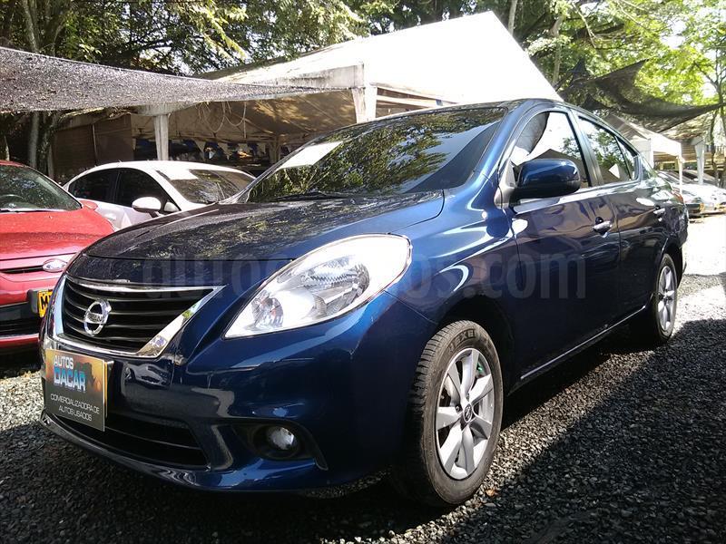 foto Nissan Versa Sense Aut usado (2012) color Azul precio $33.000.000