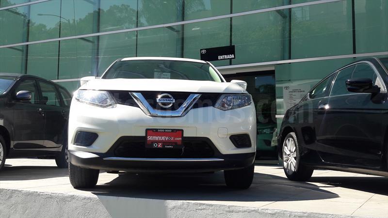 foto Nissan X-Trail Sense Seminuevo