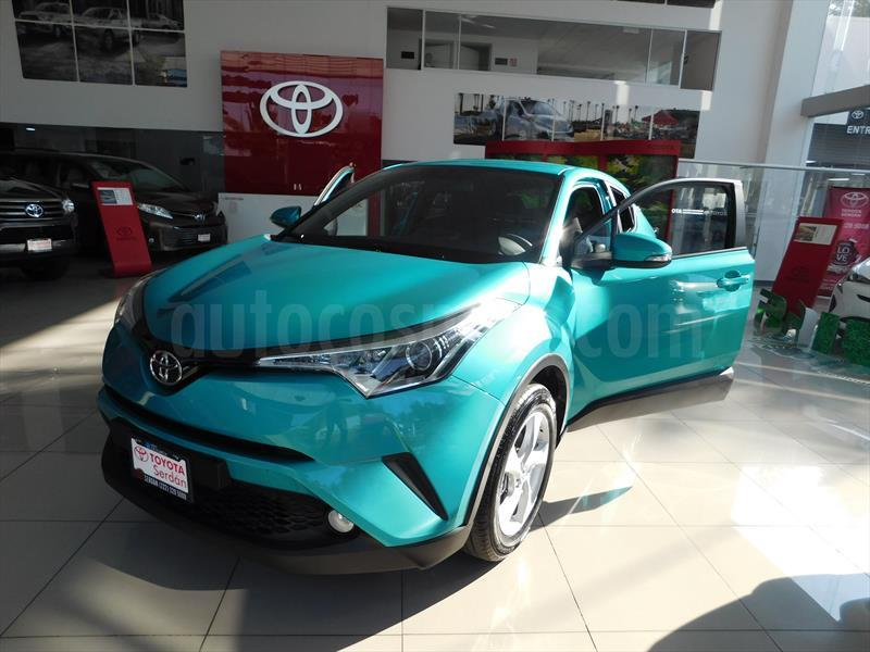 foto Toyota C-HR 2.0L nuevo