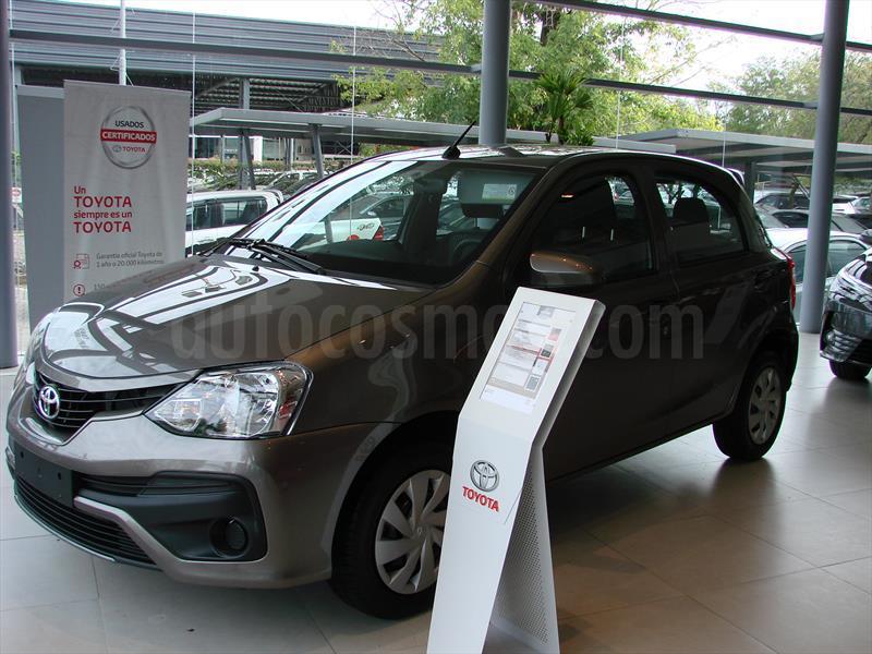 foto Toyota Etios Hatchback X nuevo