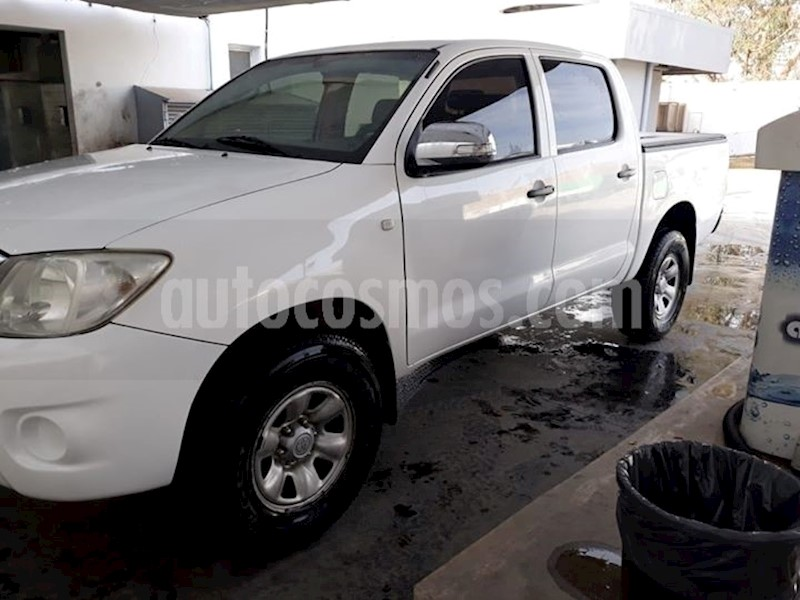 foto Toyota Hilux Cabina Doble SR Seminuevo