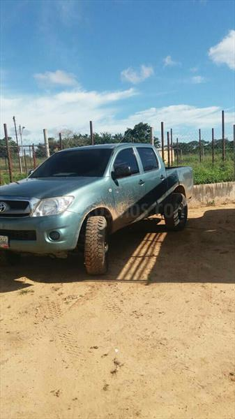 foto Toyota Hilux Doble Cabina 2.7L 4x4 usado