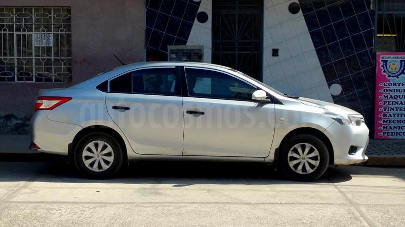 Toyota Yaris Sedan 1 3 Xli Usado 2015 Color Plata Precio U S9 750