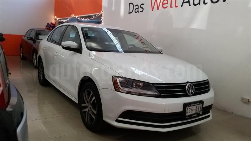 foto Volkswagen Jetta Trendline Tiptronic Seminuevo