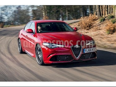foto Alfa Romeo Giulietta Quadrifoglio Verde