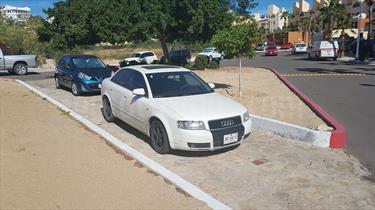 Foto venta Auto Seminuevo Audi A4 1.8L T Vangard Multitronic (2005) color Blanco precio $95,000