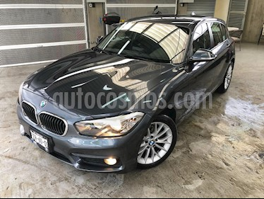 Foto venta Auto Seminuevo BMW Serie 1 5P 120iA (2017) color Gris precio $339,000