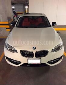 Foto venta Auto Seminuevo BMW Serie 2 220iA Sport Line Aut (2015) color Blanco Alpine precio $355,000