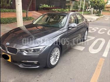 BMW Serie 3 320i usado (2016) color Gris Aluminium precio $105.000.000