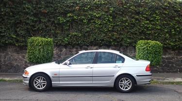 Foto venta Auto Seminuevo BMW Serie 3 320iA Lujo  (2001) color Plata Electrico precio $83,000