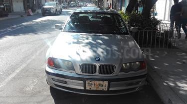 Foto venta Auto Seminuevo BMW Serie 3 323i (1999) color Plata Metalizado precio $70,000