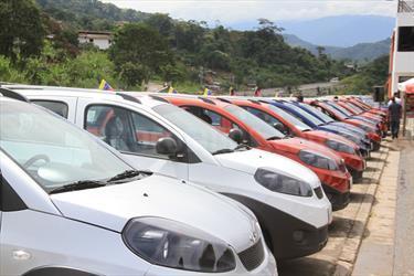 Foto venta carro usado Chery X1 1.3L (2016) color Blanco precio BoF15.000.000
