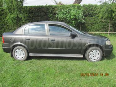 foto Chevrolet Astra 1.8 GL