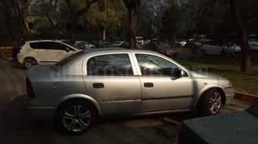 Foto venta Auto Seminuevo Chevrolet Astra 4P 2.2L Elegance (2003) color Gris Claro precio $42,000