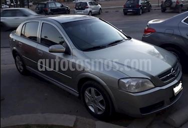 Foto venta Auto Usado Chevrolet Astra 5P GLS 2.0 (2006) color Gris Claro precio $155.000